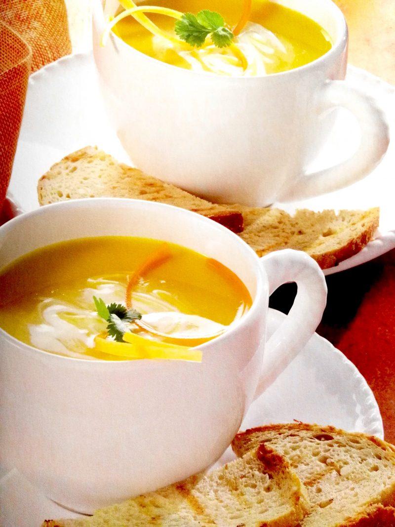 leicht-rezept-möhren-ingwer-suppe-kochen-gesund-essen