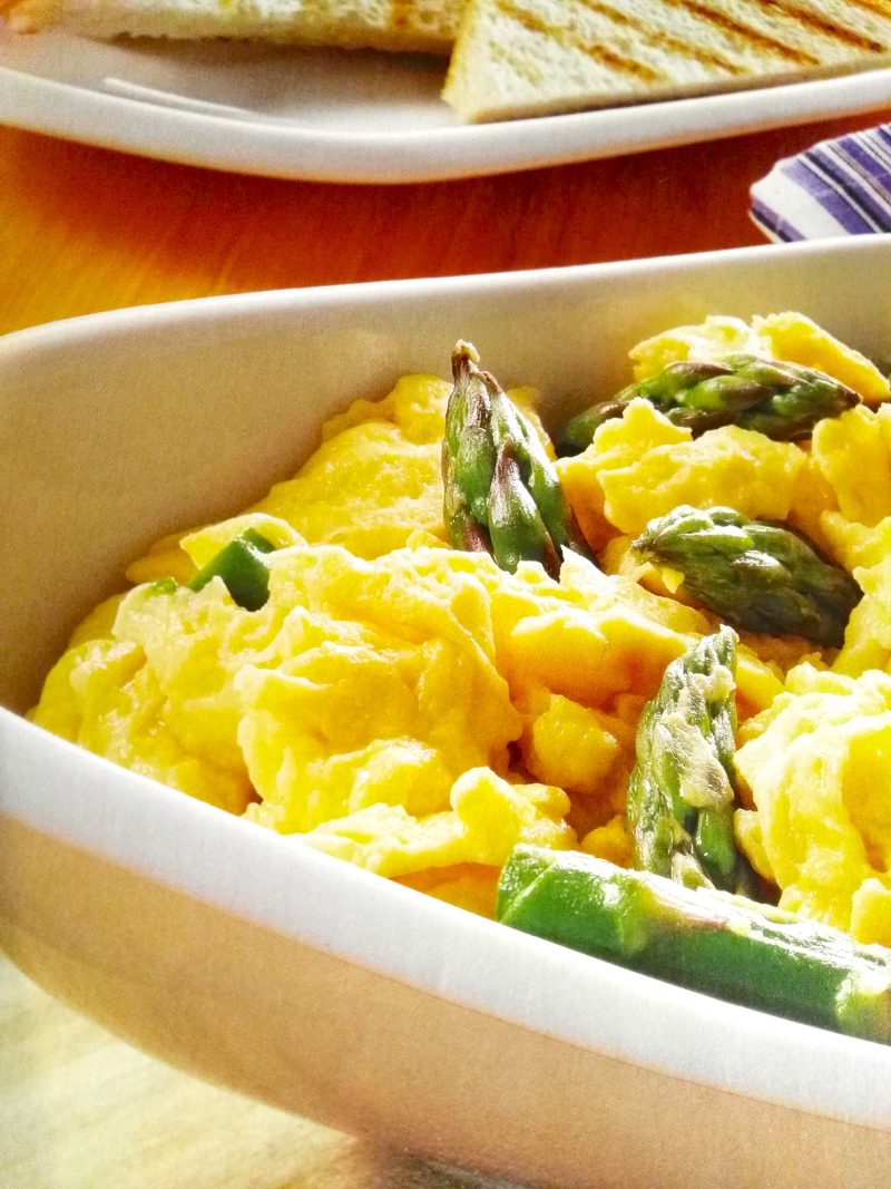 Leicht-Rezept-Eier-mit-grünem-Spargel-rezept-kochen-gesund-essen