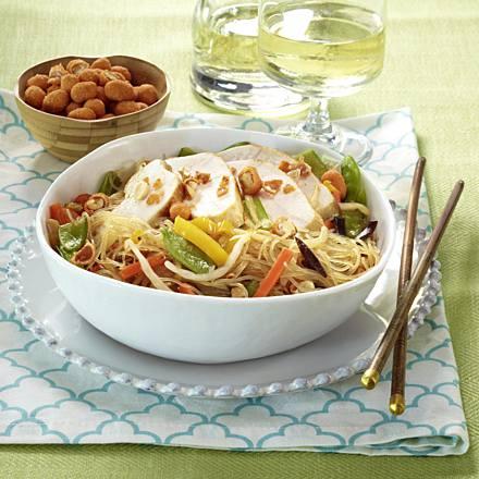 Leicht-Rezept-Thaisalat-mit-hähnchen-gesund-fitness-kochen