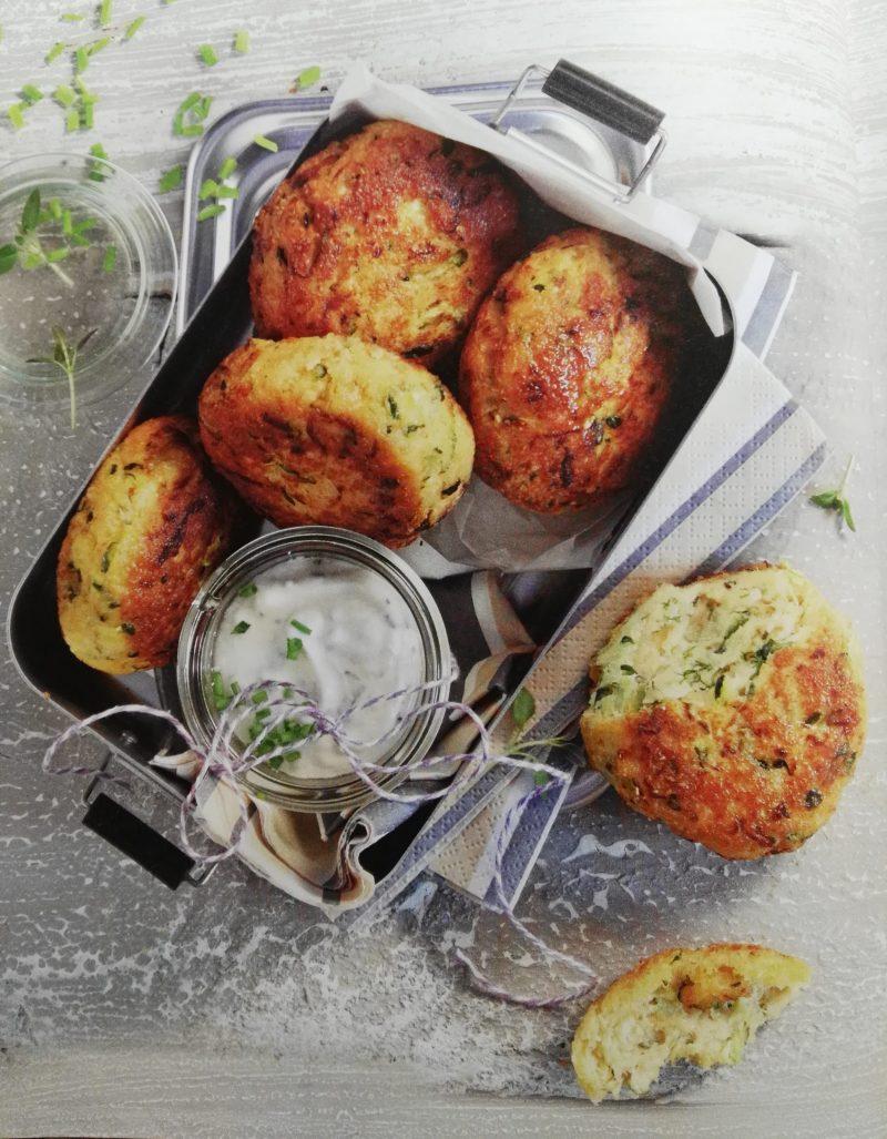 leicht-rezept-low-carb-to-go-frikadellen-aus-zucchini-und-lachs