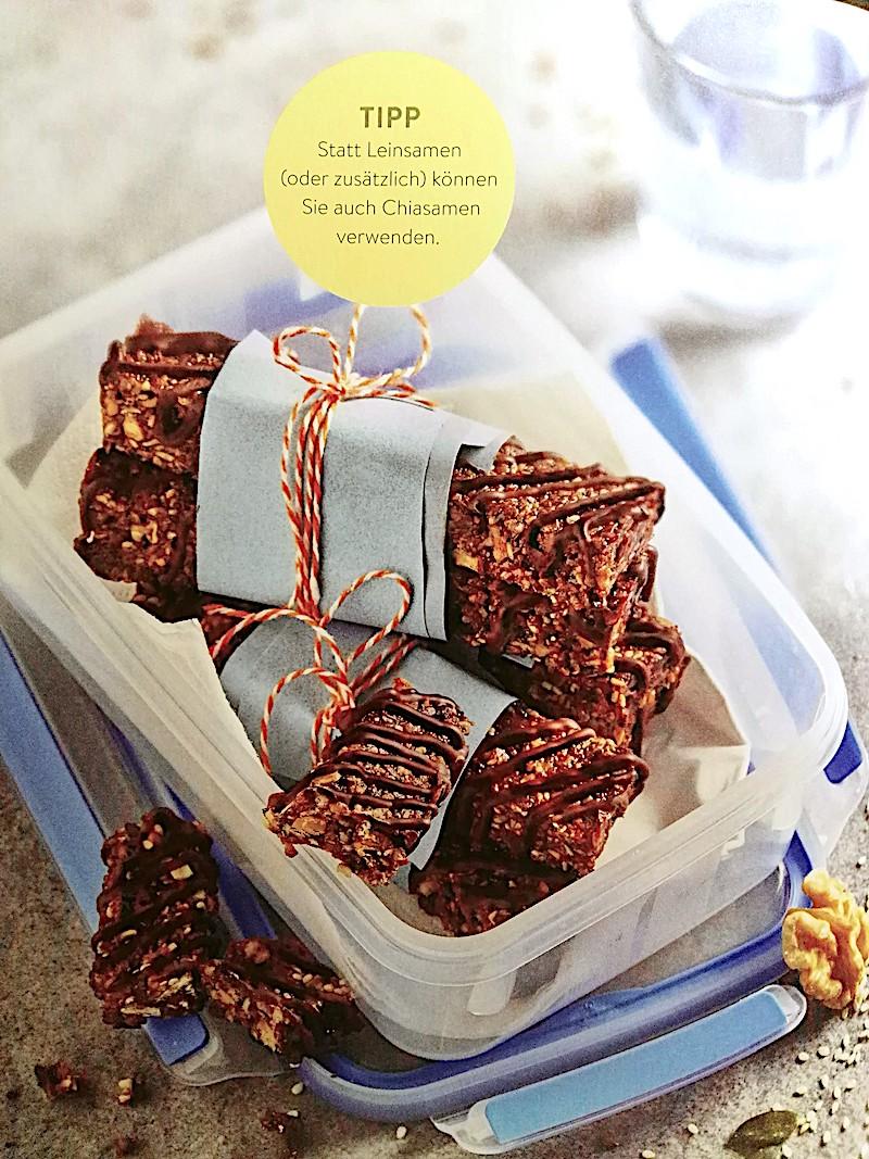 Leicht-Rezept-Knusperriegel-mit-Nüssen-und-Saaten-Low-Carb-Fitness-Gesunde-Ernährung-besser-essen