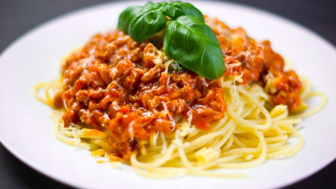 leicht-rezept-spagehetti-bolognese-kochen-pasta-ernährung-min